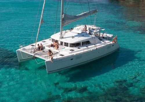 Alquiler de catamaranes en Denia